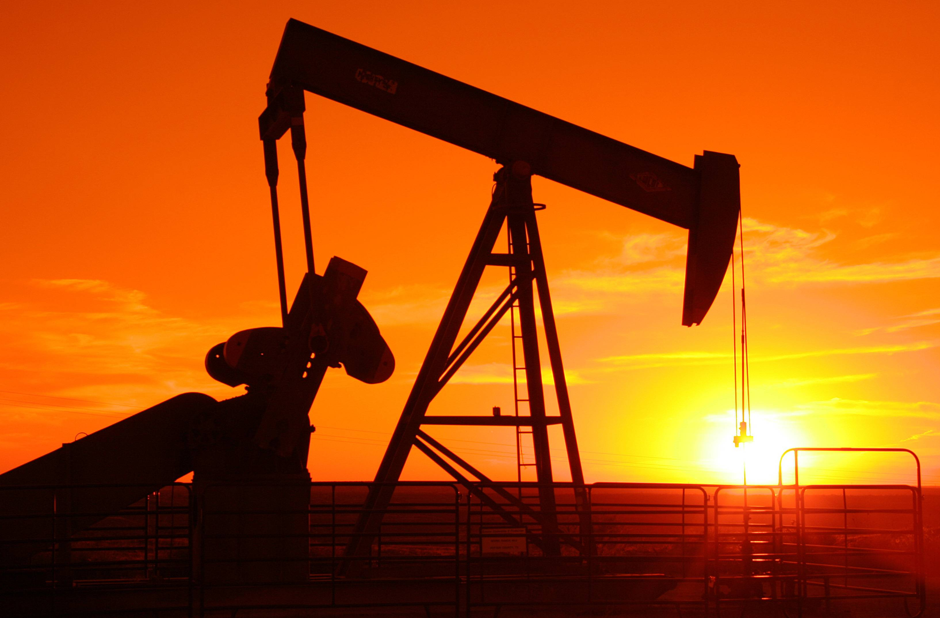 via http://sprottmoneyblog.com/opec-seeks-to-destroy-us-oil-production-could-another-recession-be-on-the-way/